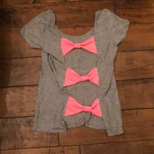 Super Soft T-Shirt With Bow Open Back